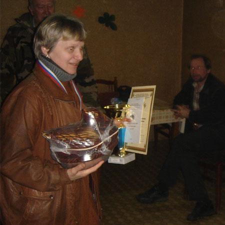 Приз получает С. реброва, владелица таксы Вжик - 2 место